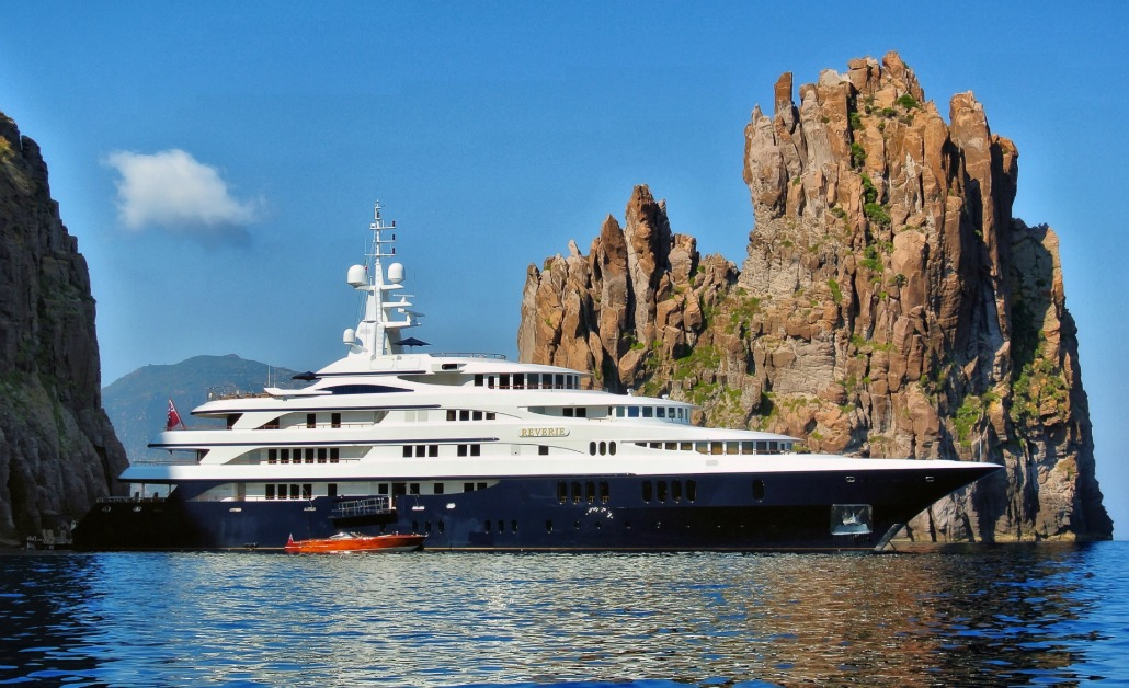 Seven seas yacht charters private yachts for luxury for Motor yacht seven seas